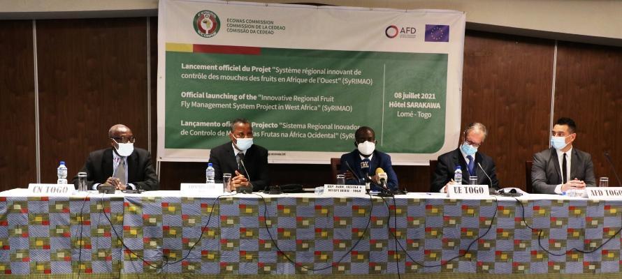 Lutte contre les mouches des fruits en Afrique de l'Ouest : la Cedeao lance le Projet SyRIMAO avec l'appui technique et financier de l'Union européenne et de l'AFD