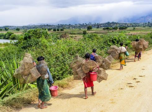 Opportunités et défis pour une croissance inclusive et résiliente: Recueil de notes de politique pour Madagascar