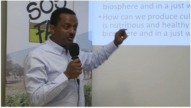 Vidéo : Agroécologie vs. agroindustrie