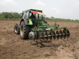 RDC : Relance de l'agriculture : des houes pour défricher les tracteurs ?